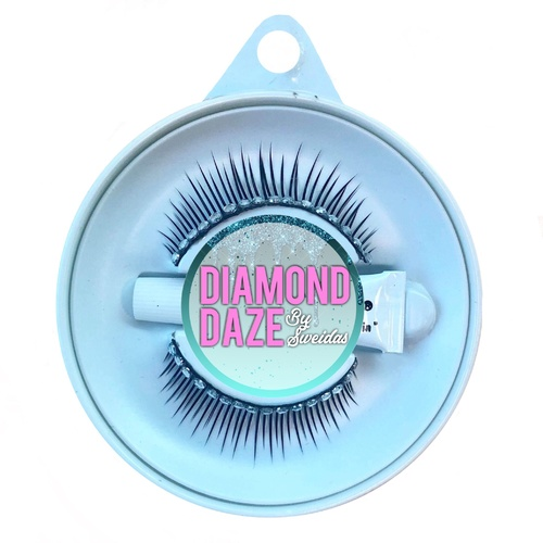 Tapered Lashes w/Diamonte Lid Line image